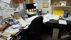 mess_desk_screen